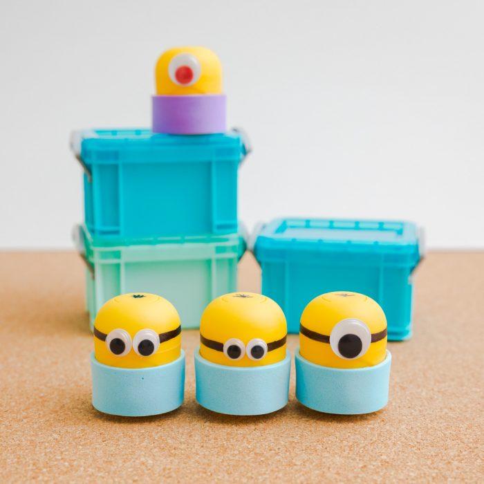 Minions con cápsulas de los huevos Kinder