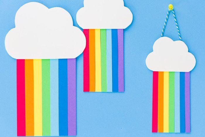 Móvil arcoíris de goma eva